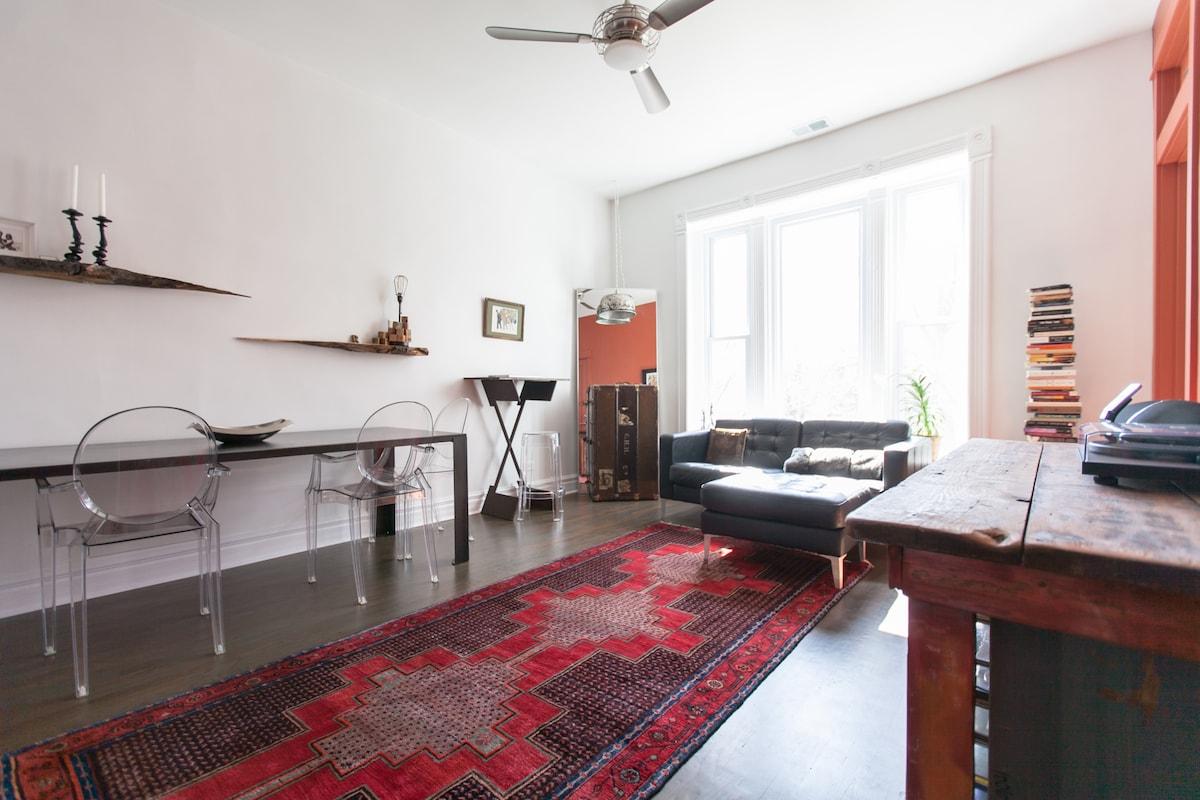Modern Luxury Apartment: Retreat