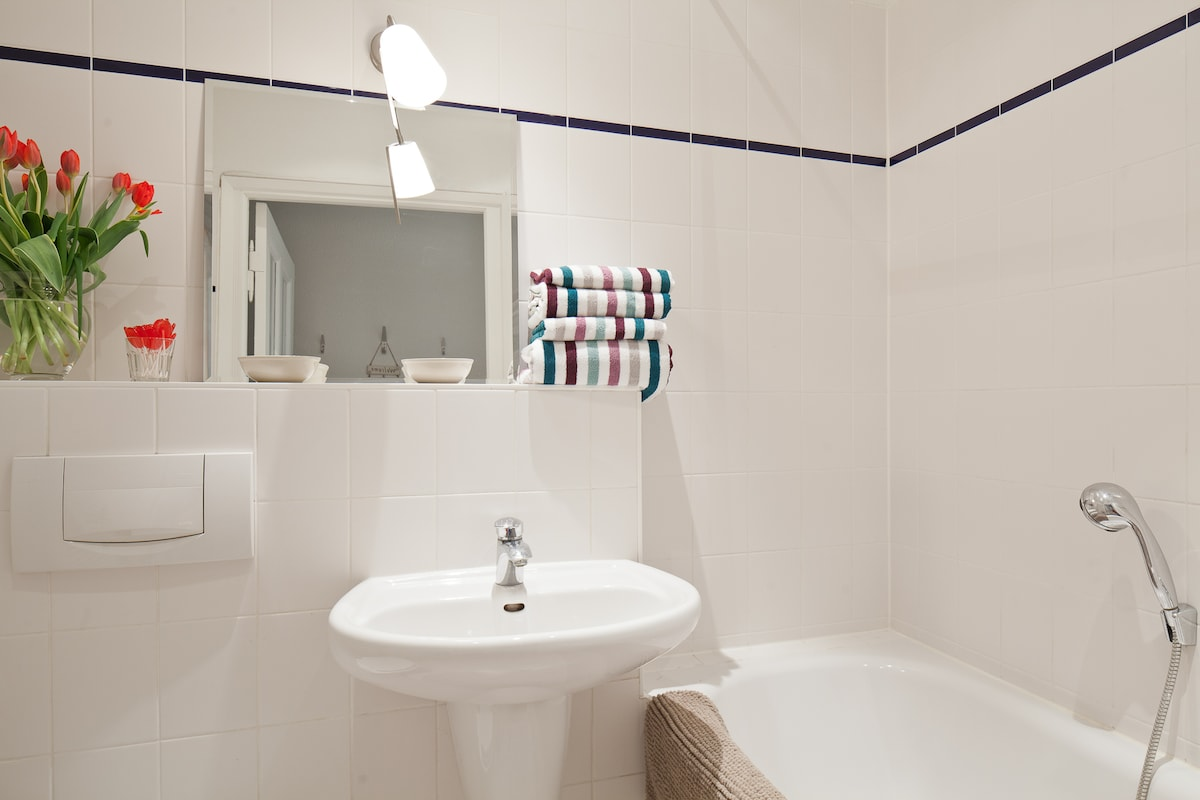 modern bathroom, towels and hairdryer included