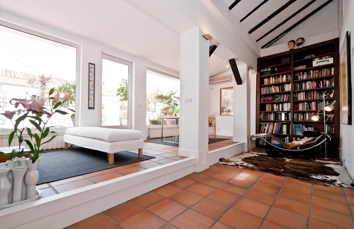 Penthouse with terrace @ Huertas st