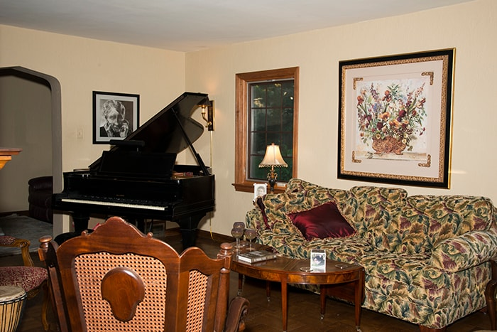 Living room with wonderful grand piano!