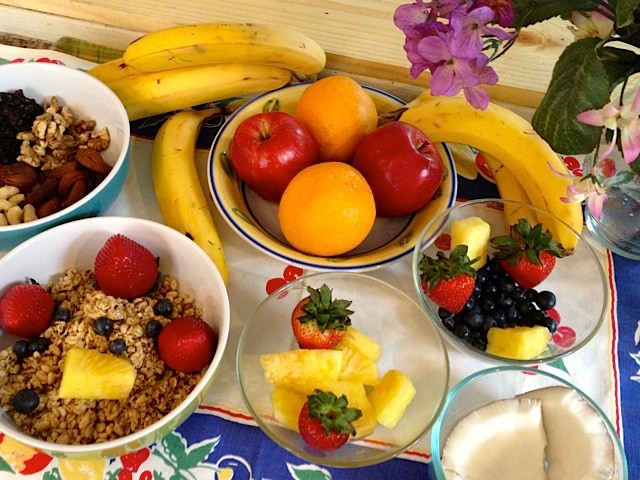 Colorful, crunchy, juicy, delicious and filling ~ who could ask for a more perfect morning meal?!