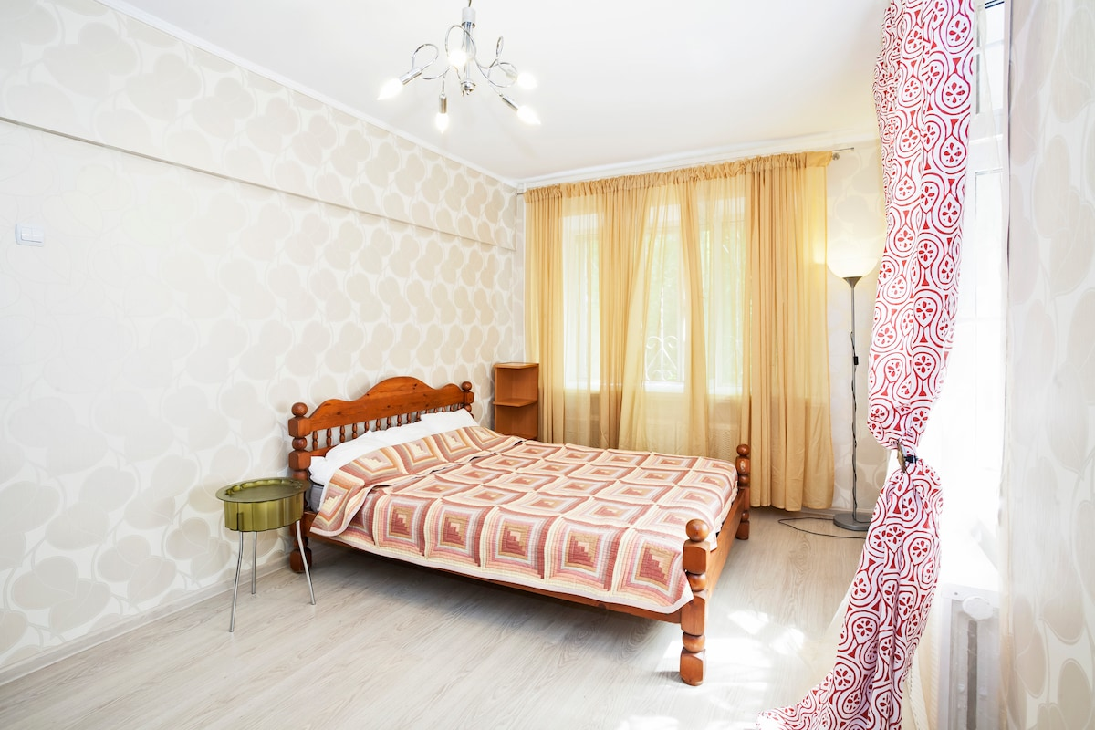 2room apartment in center of Moscow