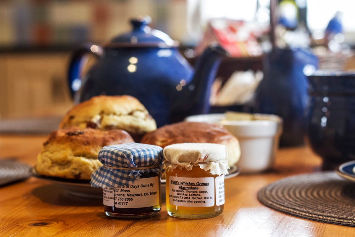 """Come in, have a """"cuppa"""" and enjoy some scones or brown bread. Our welcome basket includes some of """"Patti's Homemade Jams"""" straight from her kitchen in Co. Mayo."""