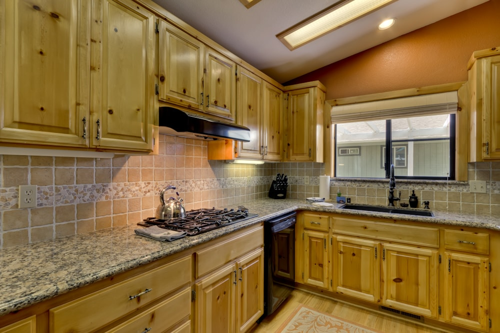 Gorgeous new kitchen with granite counters