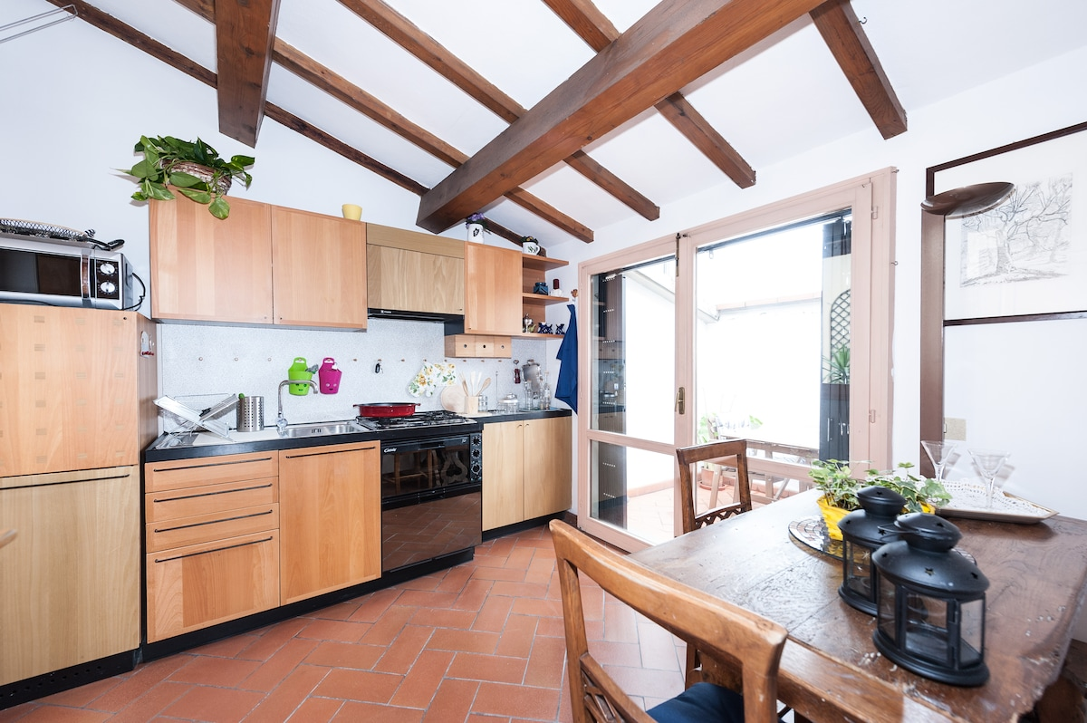 Kitchen and pocket terrace