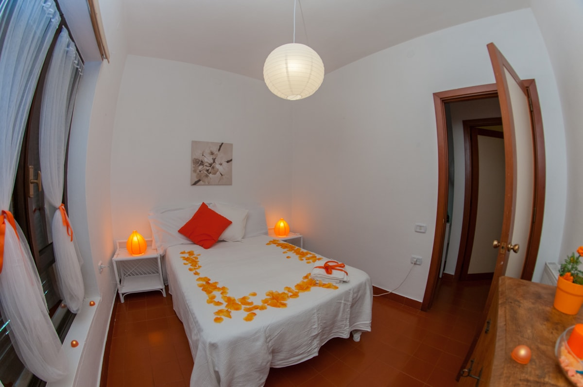 Orange Room - lamps & chest of drawers
