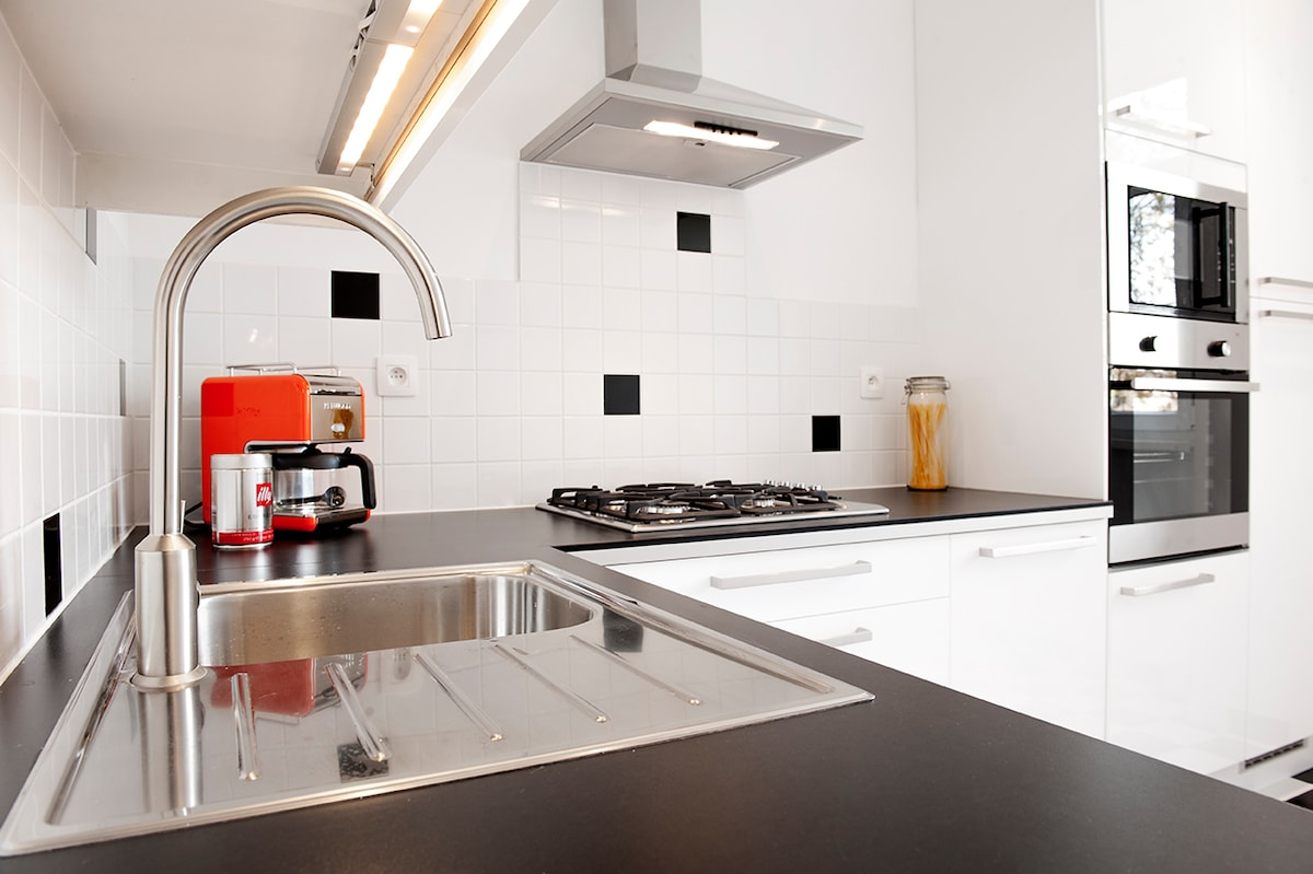 Fully equipped Kitchen at SouthSide Suite