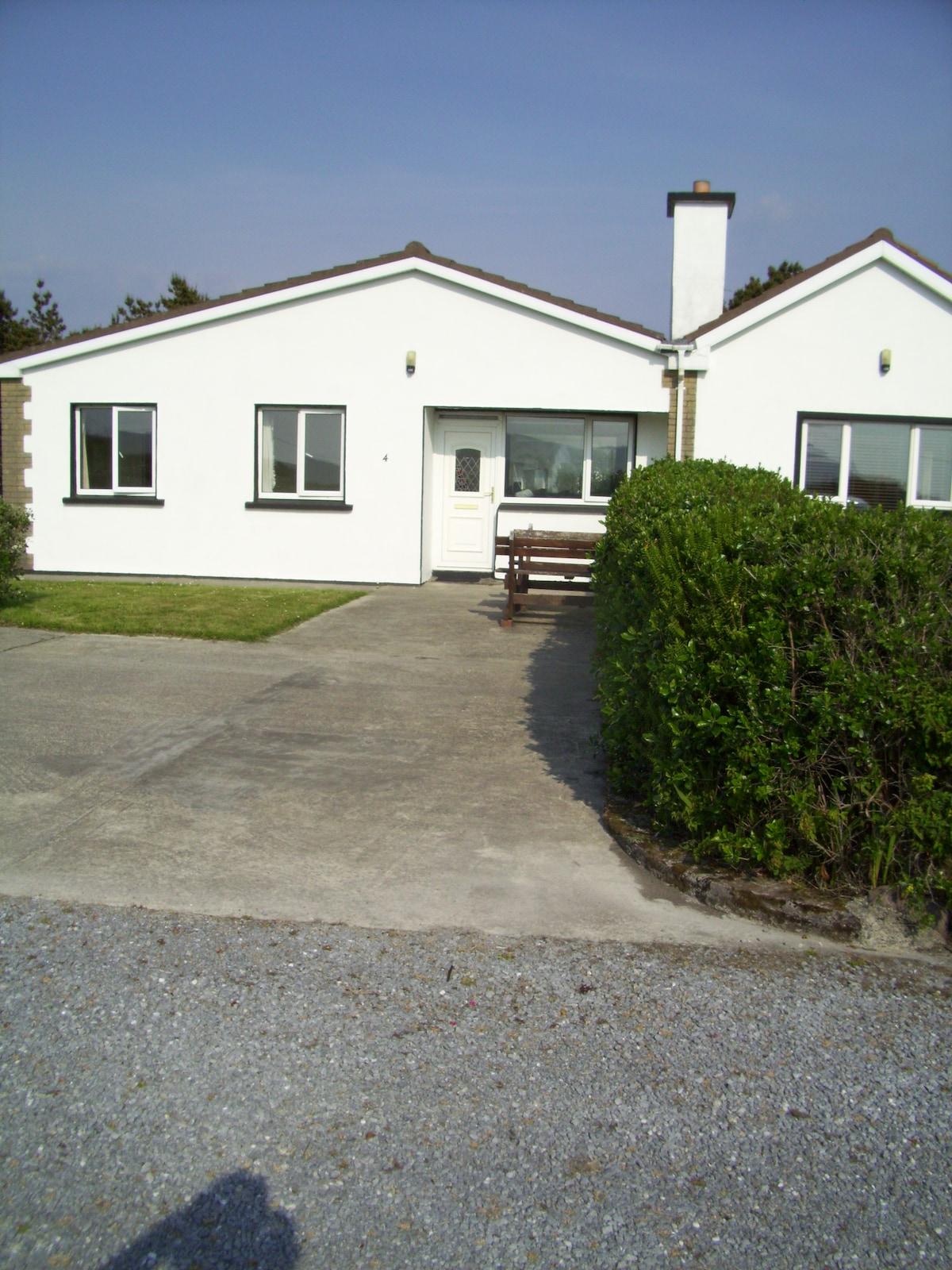 ' Beachside Cottage ' Wine Strand.