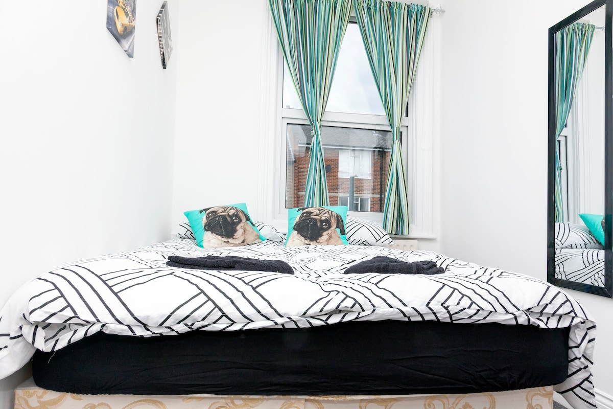 Two bedroom Hammersmith Sulgrave C
