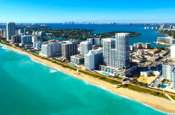 Miami Beach Oceanfront 6/8 persons