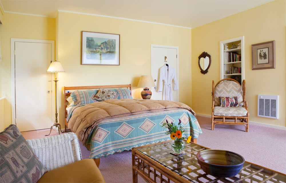 RustRidge Room with views & deck