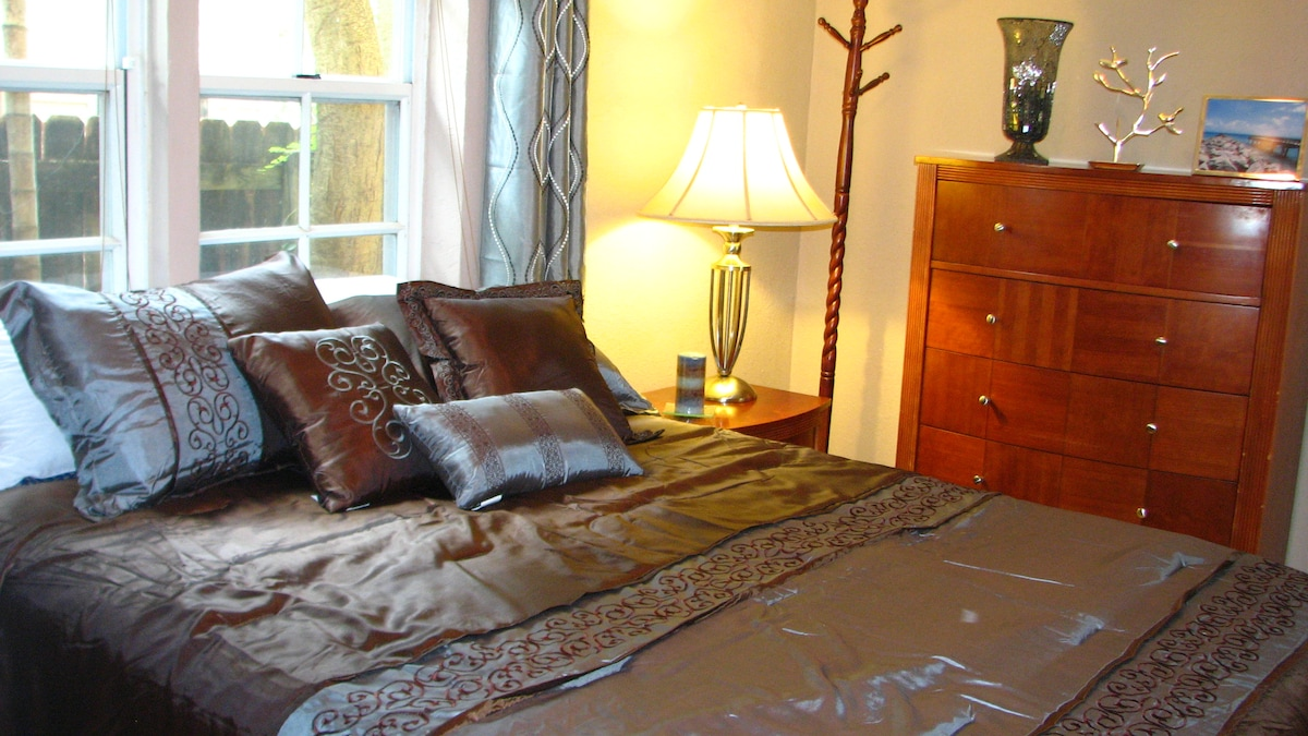 **Lovely 1 Bd Apt in Coral Gables**