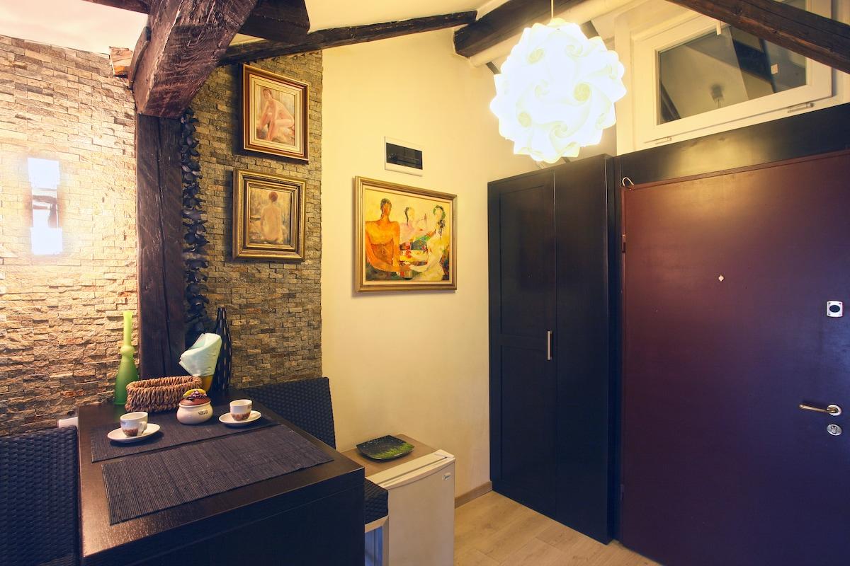 Central studio-apartment Natalie