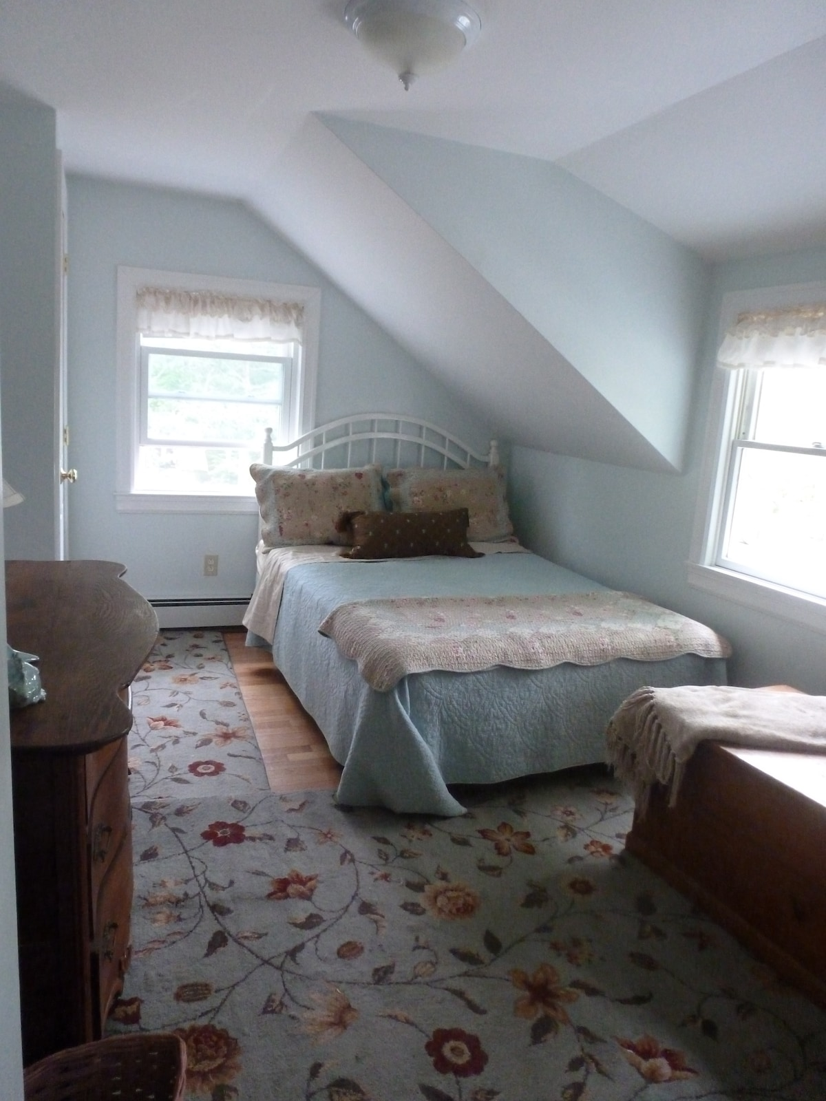 Cape Cod Cottage Charm in Bourne