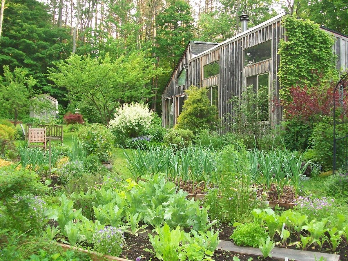 Sanctuary Garden Bed & Breakfast