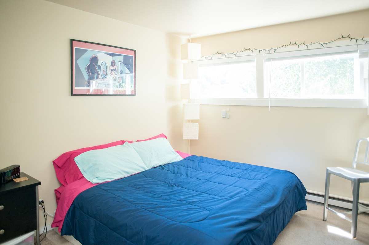 Enjoy the huge bedroom with a king sized bed. Multiple lighting options available including the overheads, lantern lighting (a separate wall switch)  even red lights - on a remote!