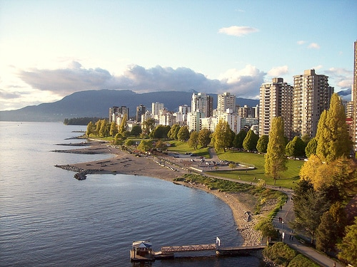 Great Location!!! Quick Walk to Sunset Beach or English Bay
