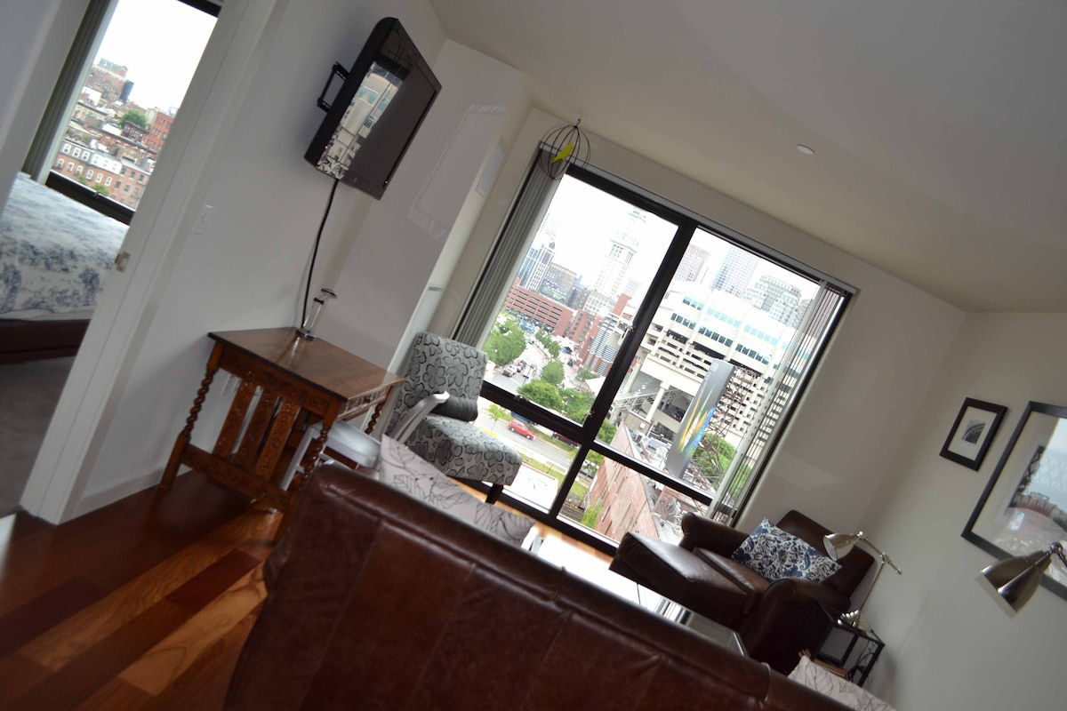 Canal St. Luxury 1 Bed + Roof Deck