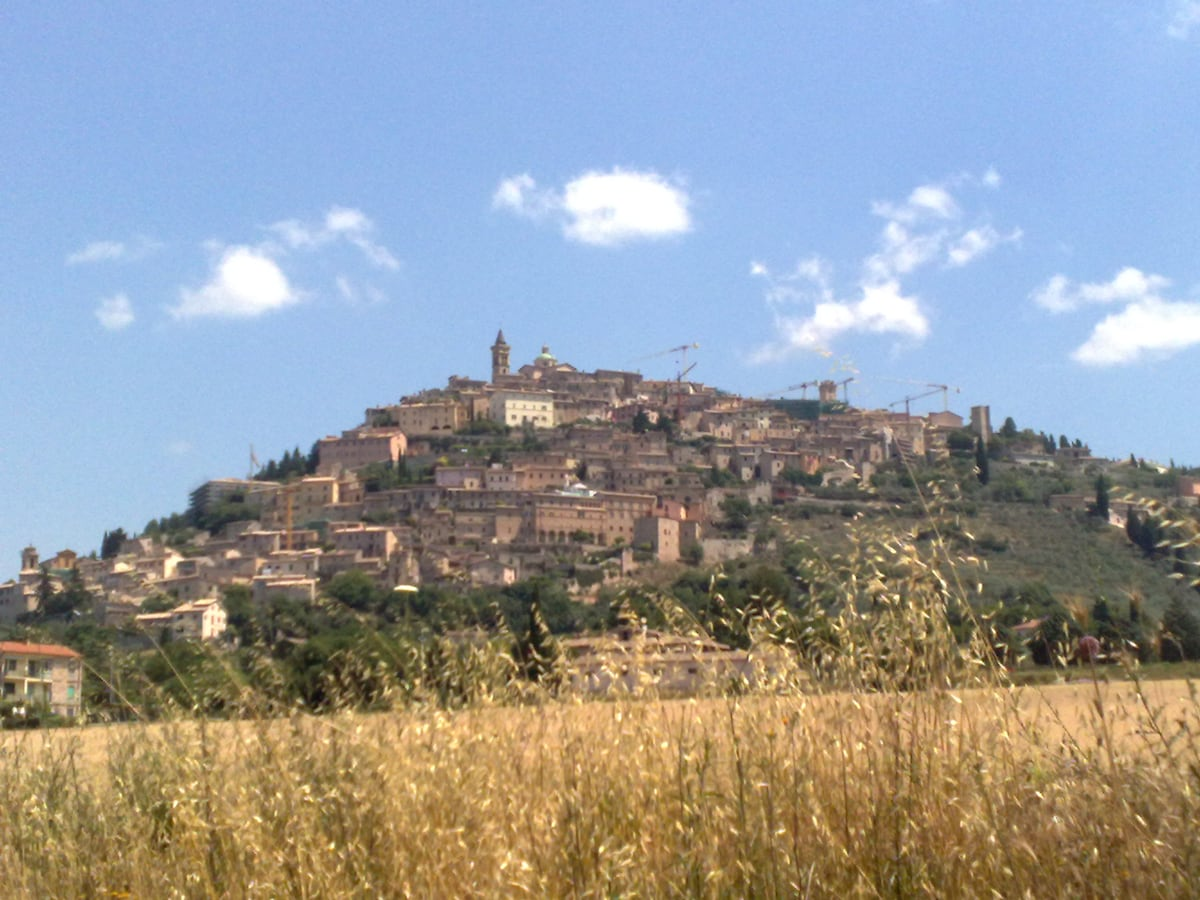 House in the village 30 km toAssisi