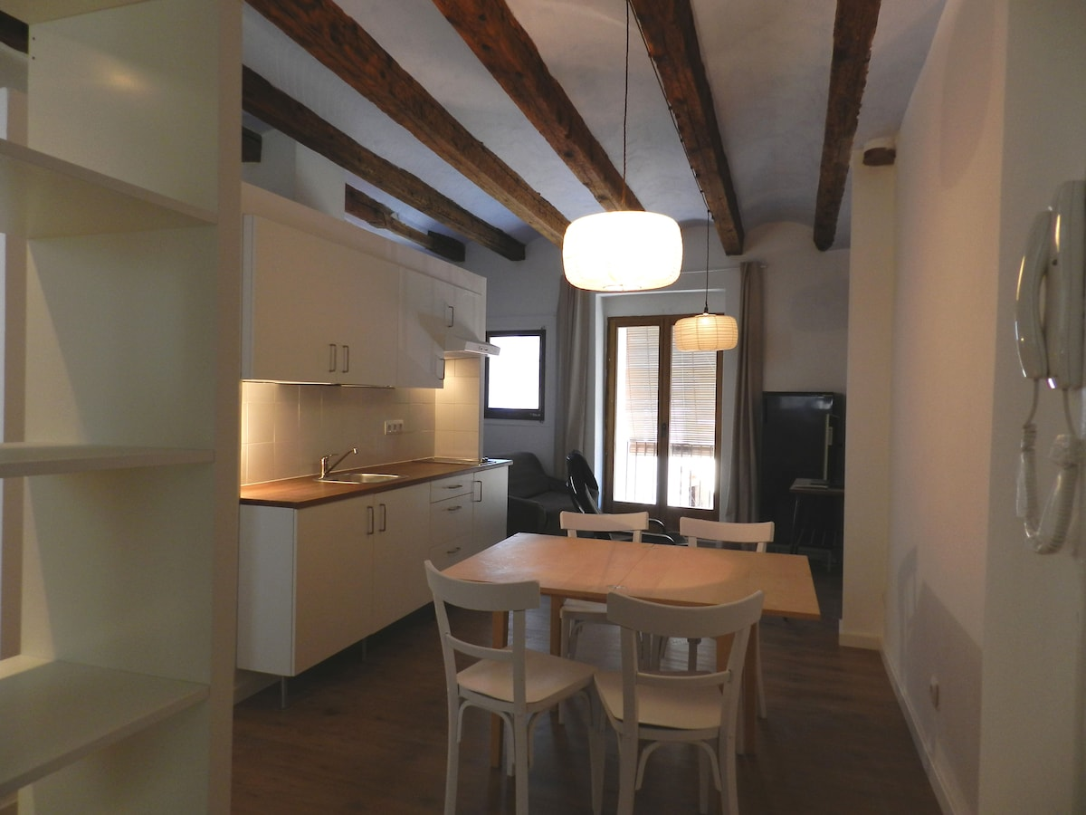 Flat#2 Renovated ancient town house