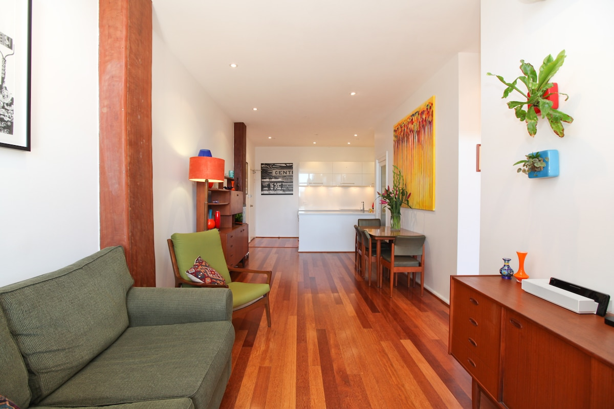 Warehouse conversion apartment located in the creative hub of Chippendale