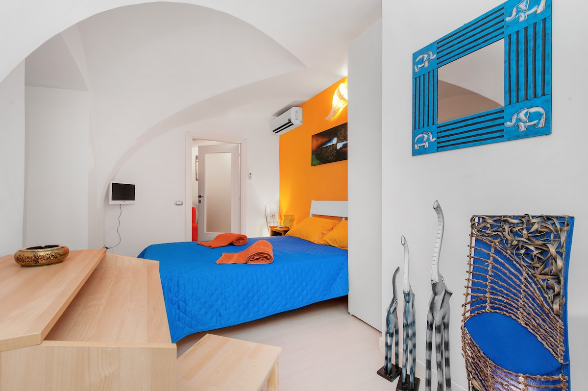 Navona-Pantheon apartment in Rome