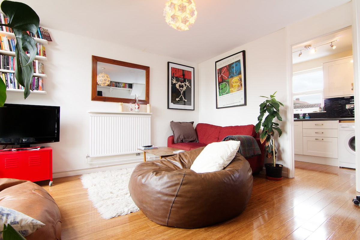 Brilliant, bright flat with terrace