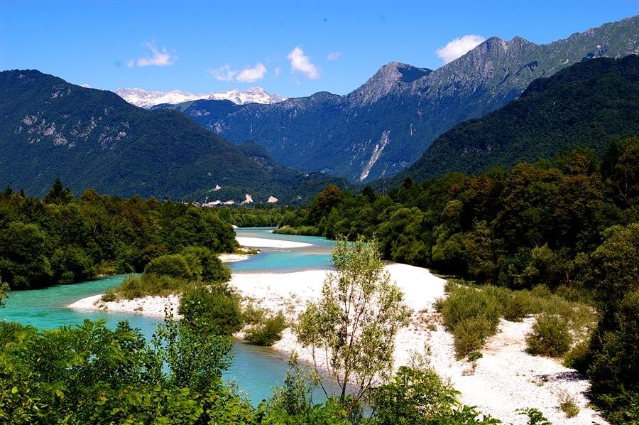 Emerald beauty - Soča fiume smeraldo. Situable for swimming.