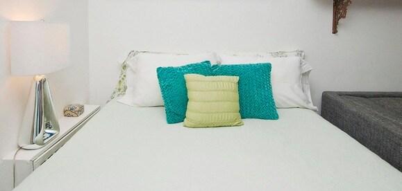 Queen Size Bedding- Light Linens