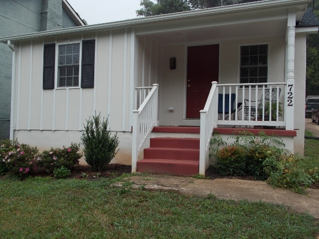 3 Private rooms/Belmont house