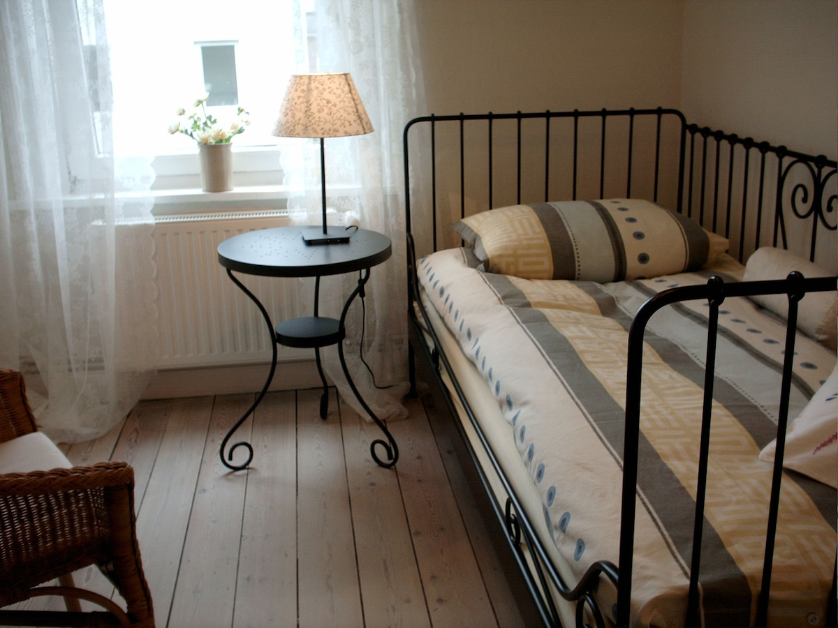 Ruhiges Zimmer Nähe Holstentor