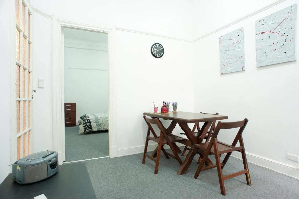The livingroom and eating area
