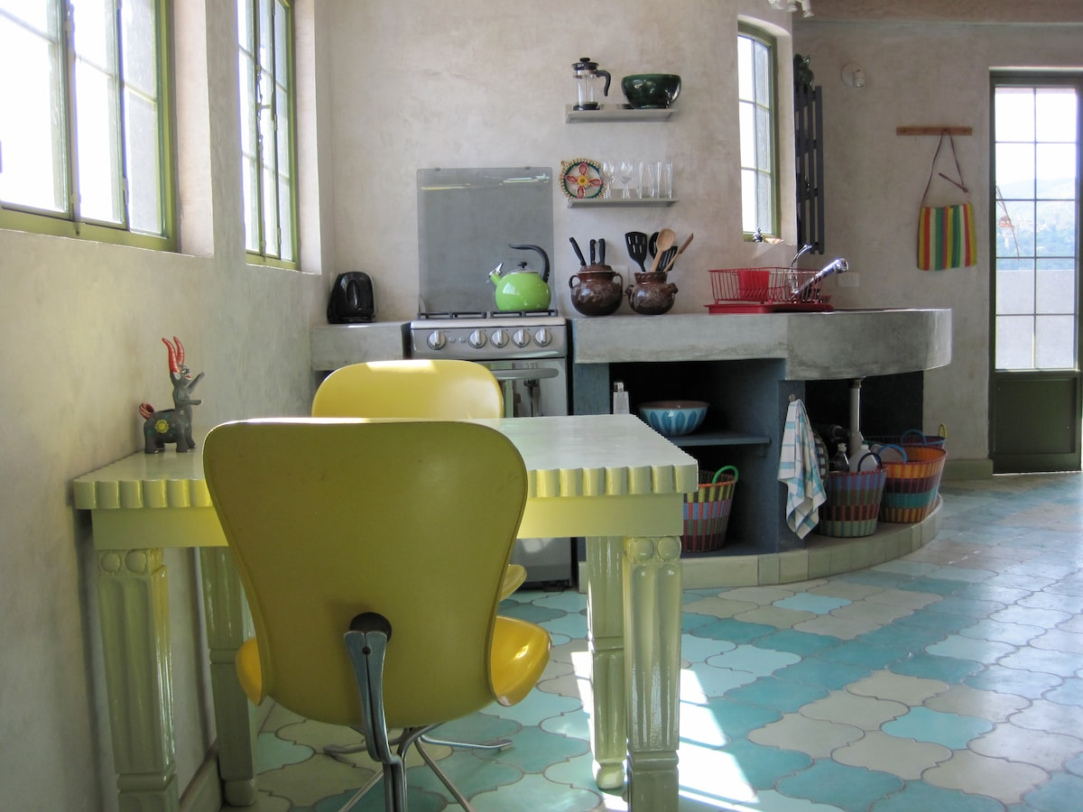 The sweet kitchen of the PANOROMANTICA : Full 3rd story studio apartment with a 300 degree view of Guanajuato.