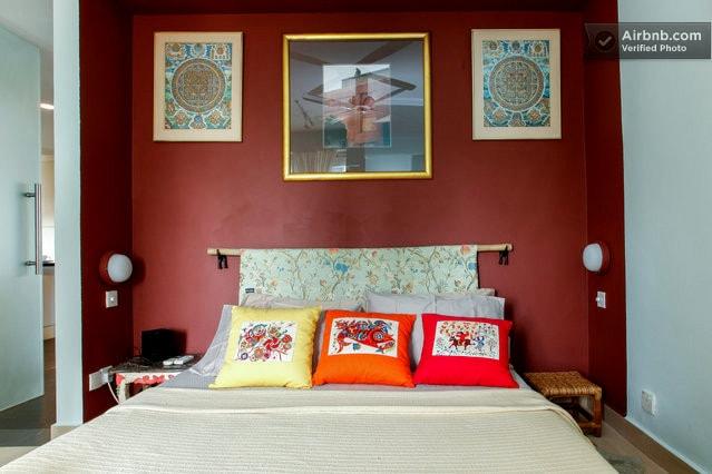 comfort, colour, contrasts.