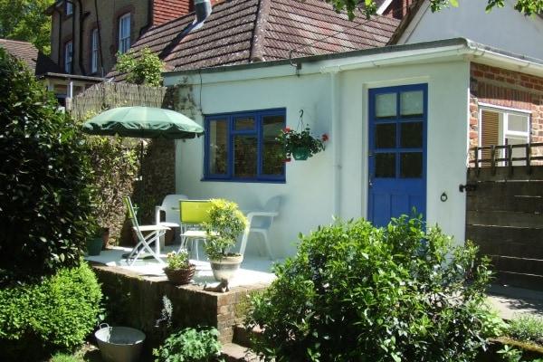 Overglen Court - Garden Suite