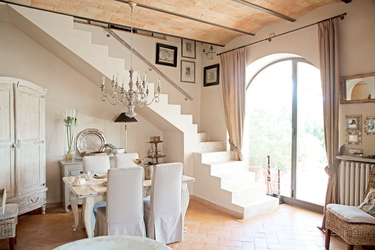Corner of Provence B & B in Chianti
