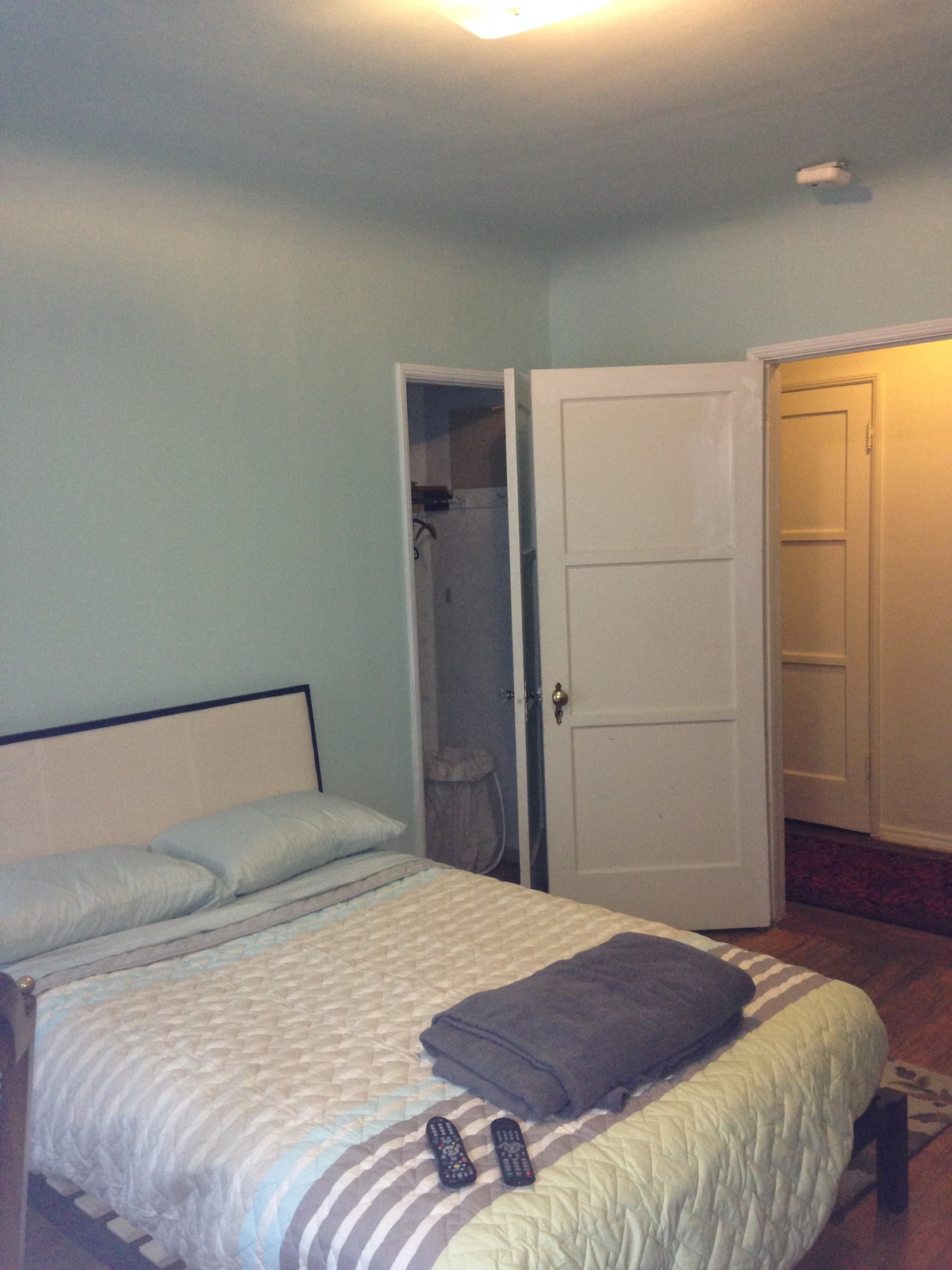Beverly Grove 2nd Guestroom