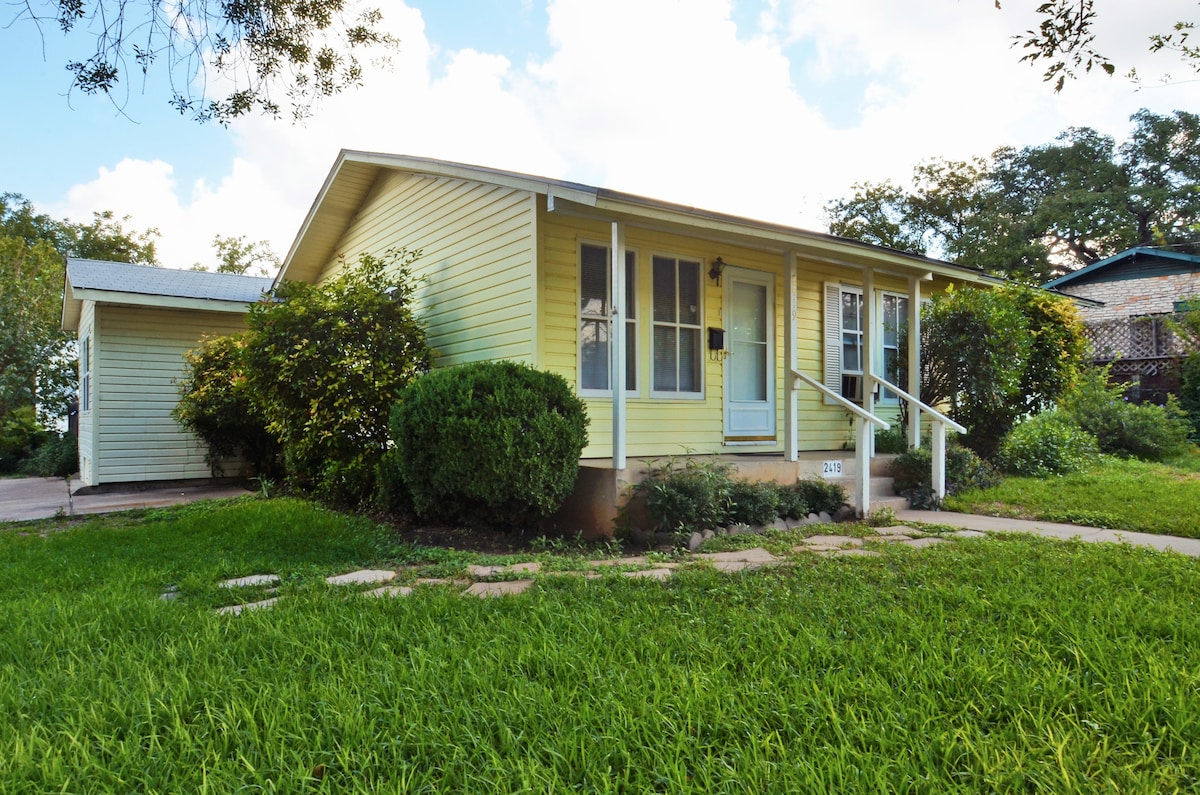 4BR/2BA Renovated South Congress