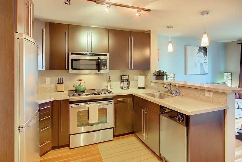 Granite Coutners, Stainless Kitchen, with all you need to make fantastic meal!