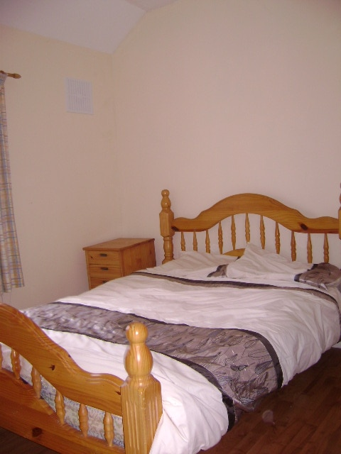 Double and single rooms to rent