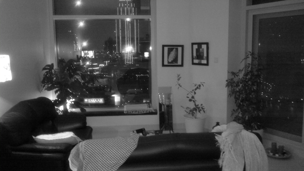 black and white with fountain view !!!