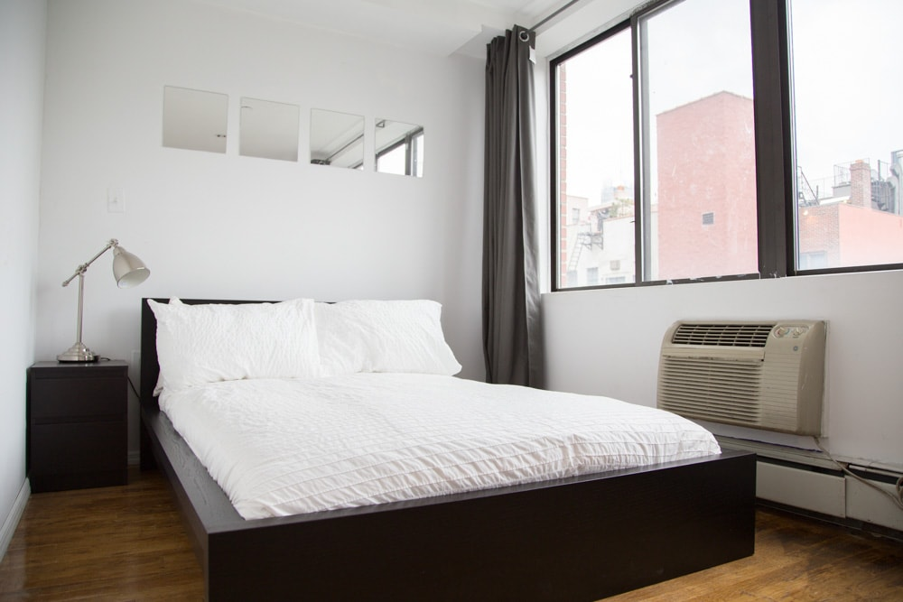 Sunny Spacious Room in Midtown NYC