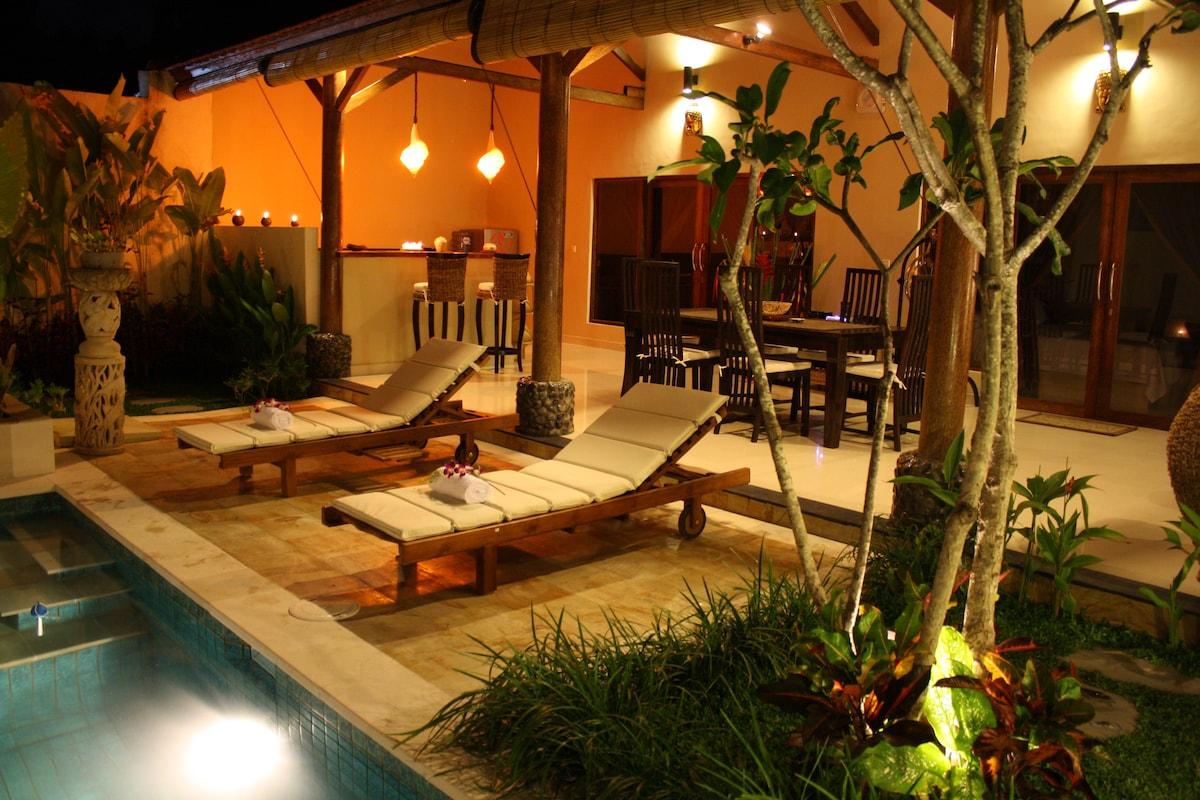 Seminyak.3 Bedrooms Villa BELHARRA
