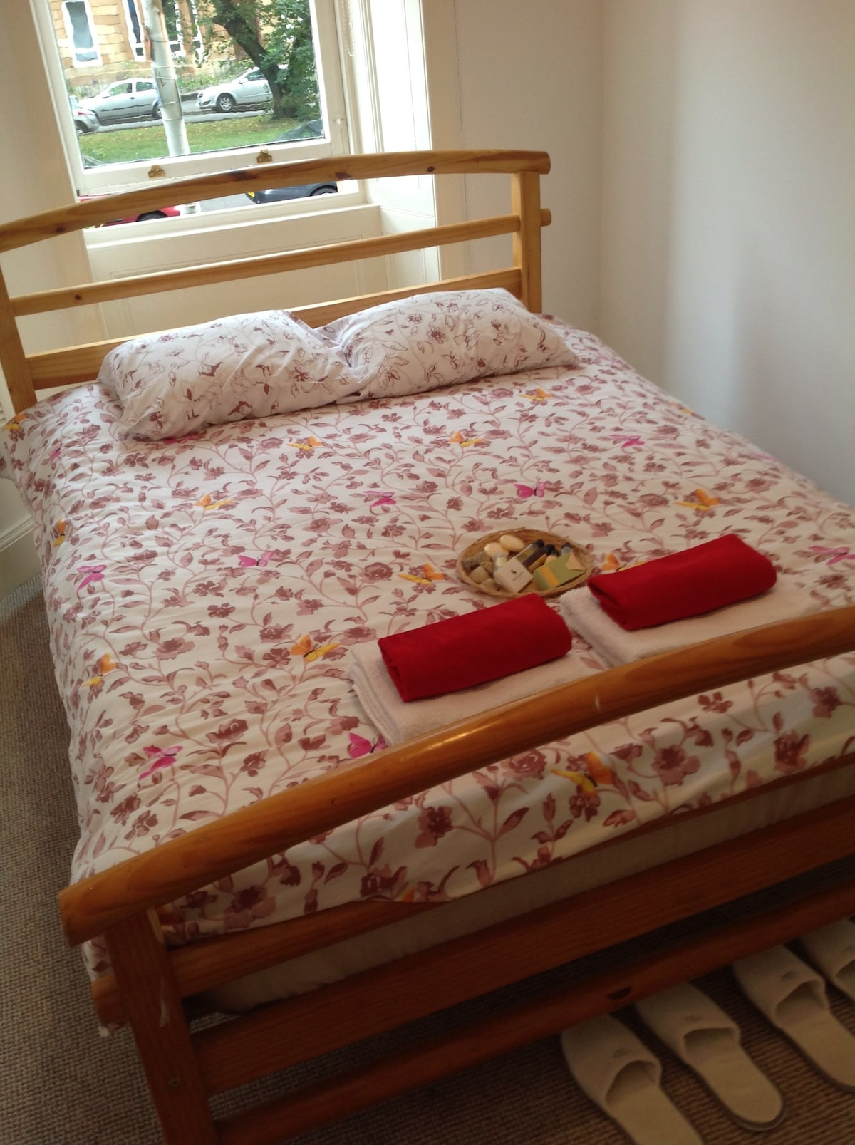 Your Glasgow home bed is waiting for you :)