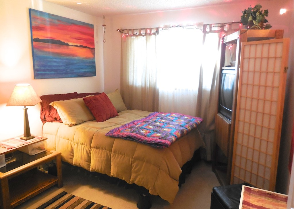 A+Tahoe Sunny Suite - with comfortable bed and adjoining private bath...
