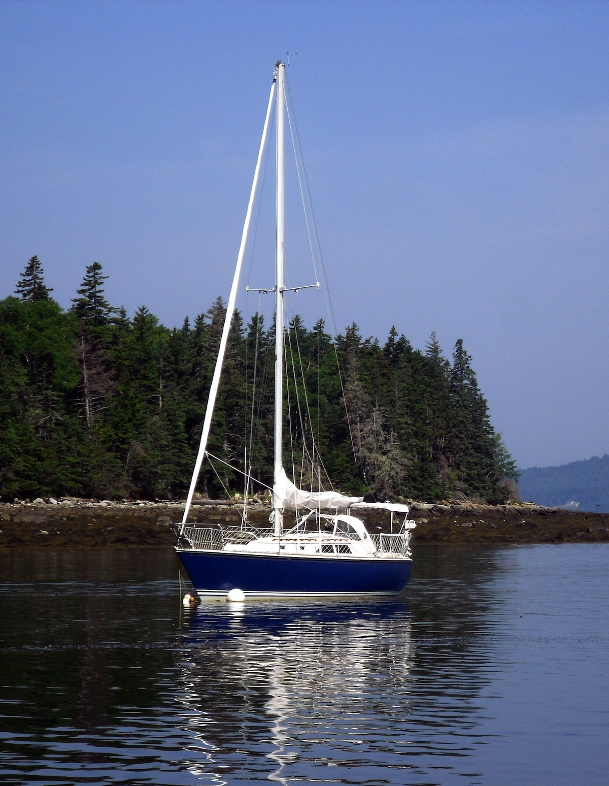 O'HD moored off Holbrook Island Sanctuary, near Castine Harbor