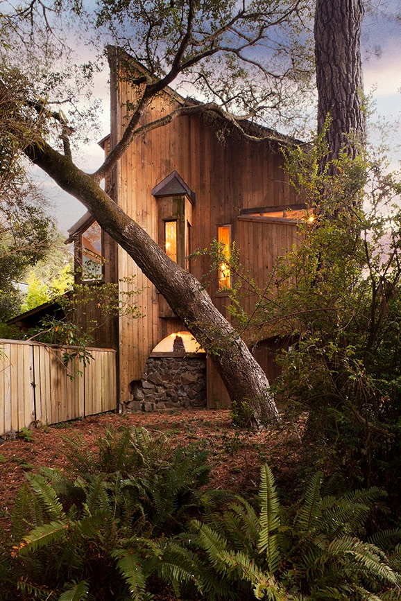 A corner of the Eco Refuge House's front elevation. Architecture by Sim Van der Ryn. Photo by Richard Olsen.
