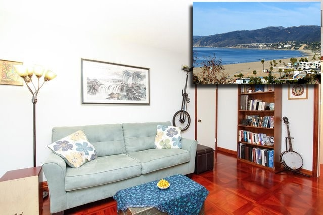 Make yourself at home, or walk 5 blocks to the beach (Note, the apartment does not have a direct ocean view.)