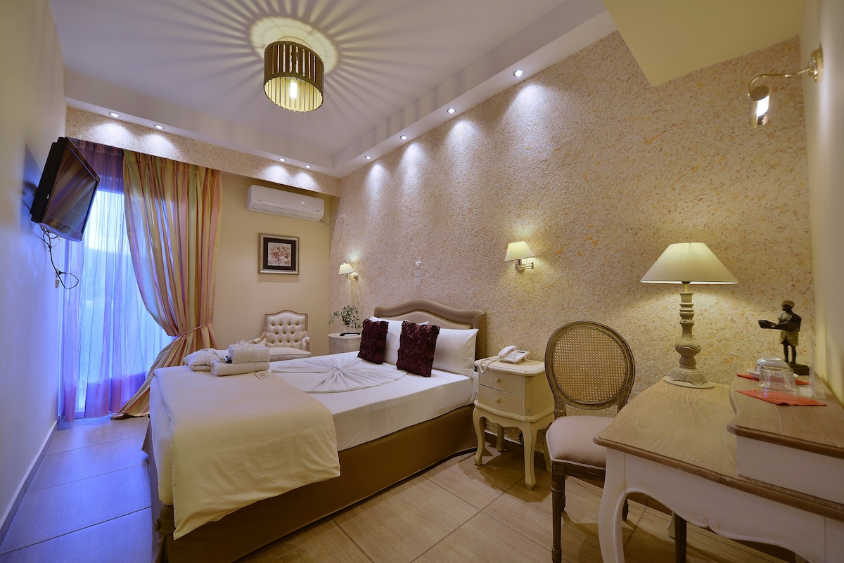 DOUBLE ROOM IN ANIXI BOUTIQUE HOTEL