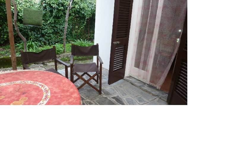 House with garden 200 m to the sea